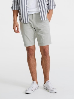 Levis Taper Chino Short In Sandhill