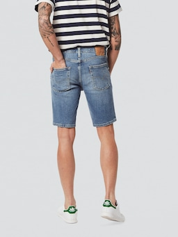 Levis 502 Taper Short In Bobby