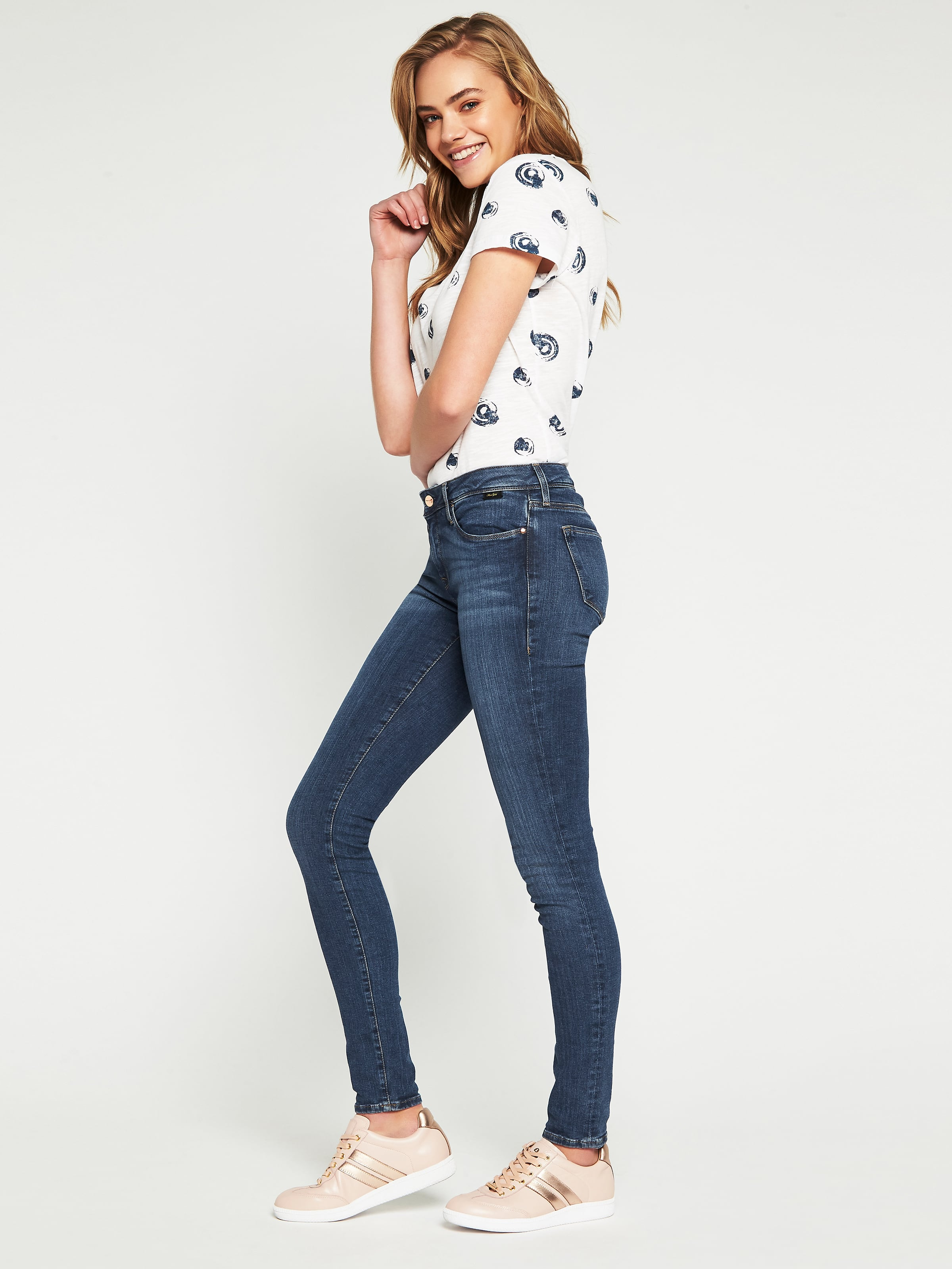 ... Image for Mavi Alexa Skinny Jean In Mid Gold Reform from Just Jeans