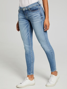 Guess Low Rise Skinny In Luna Wash