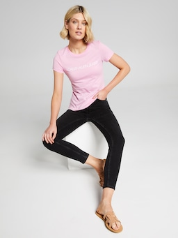 Calvin Klein Jeans Institutional Logo Tee In Pink