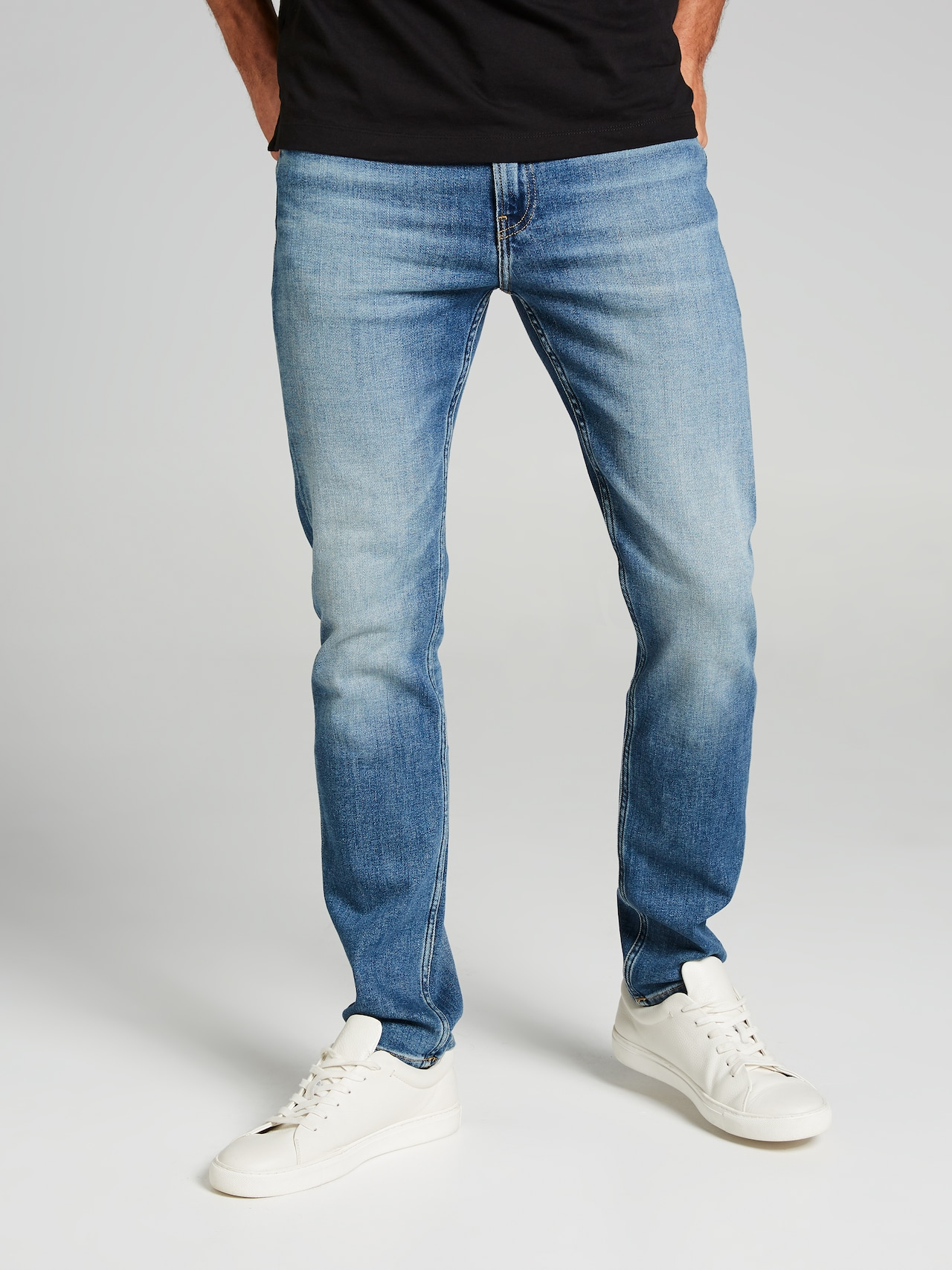 gift Nationell Att öka  Calvin Klein Slim Taper In Dark Blue Denim - Just Jeans Online