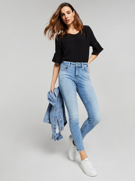 Alex Flutter Sleeve Top